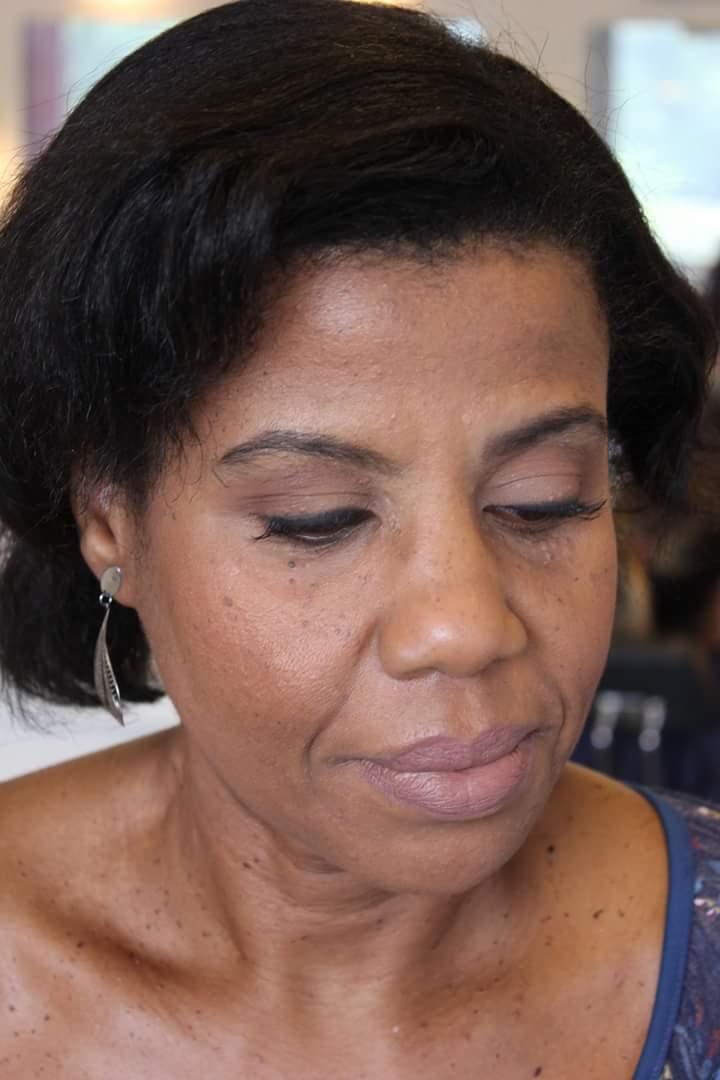 Maquiagem para pele madura  maquiagem maquiador(a)