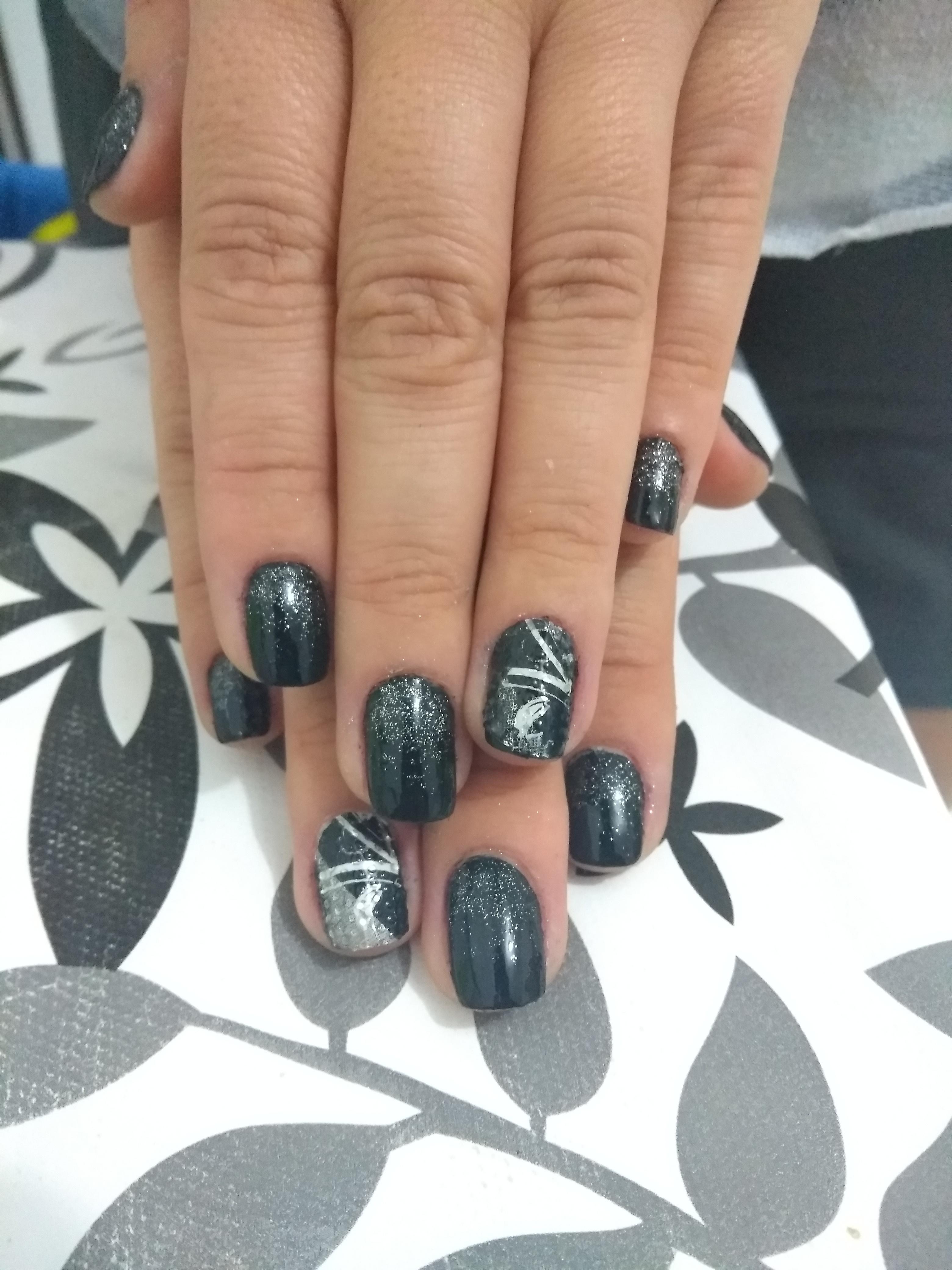 #nails #avonesmaltes #colortrend unha auxiliar cabeleireiro(a) auxiliar administrativo manicure e pedicure