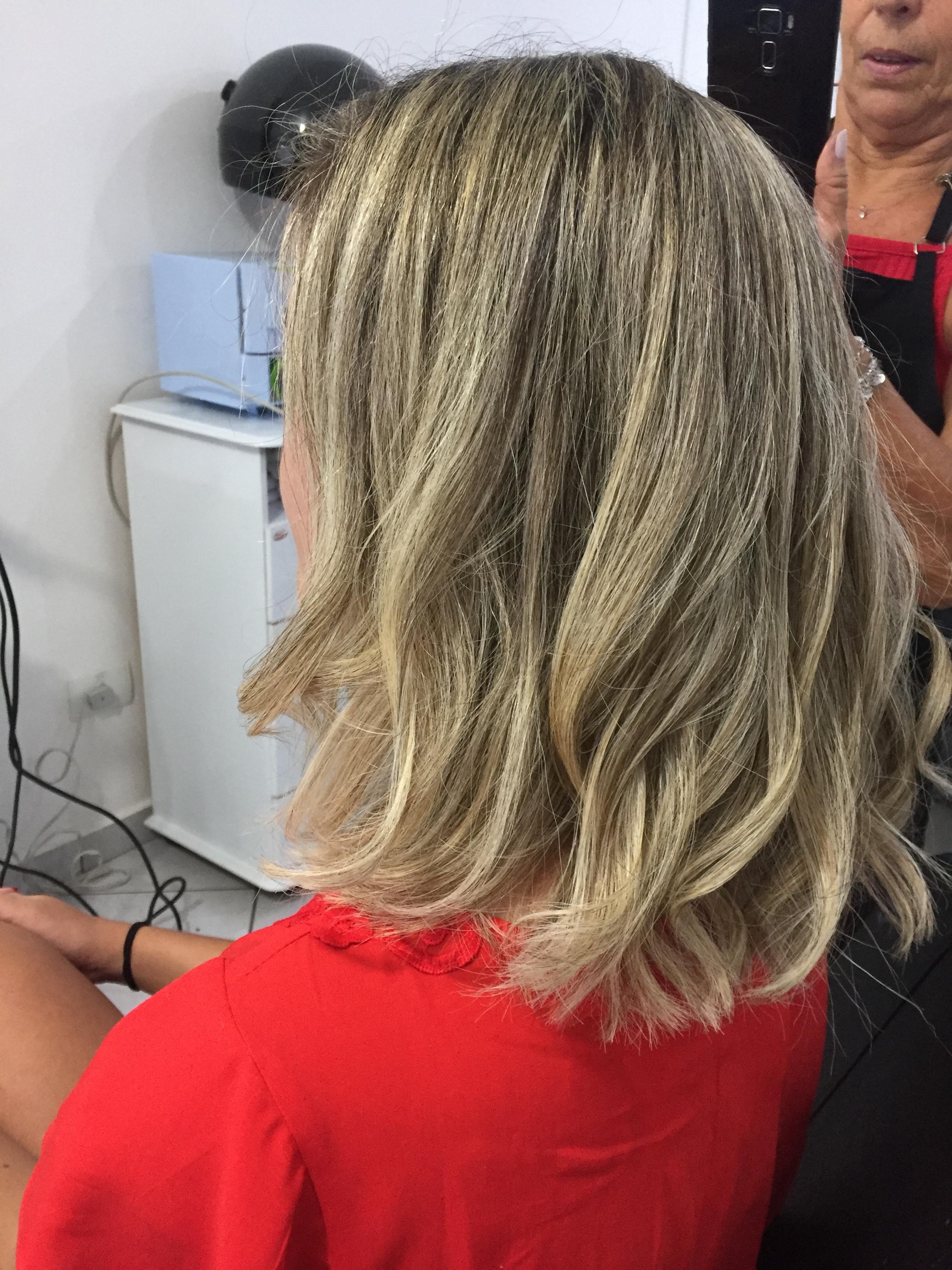 Luzes  cabelo auxiliar cabeleireiro(a) cabeleireiro(a)