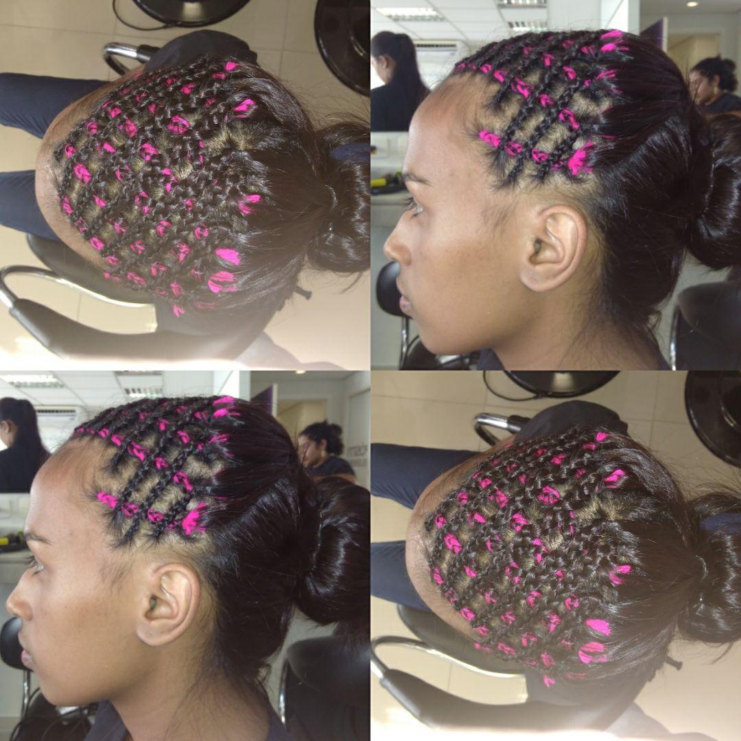 Trança rasteira ou de raiz cruzada com lã. outros auxiliar cabeleireiro(a) auxiliar cabeleireiro(a) cabeleireiro(a) cabeleireiro(a) maquiador(a)