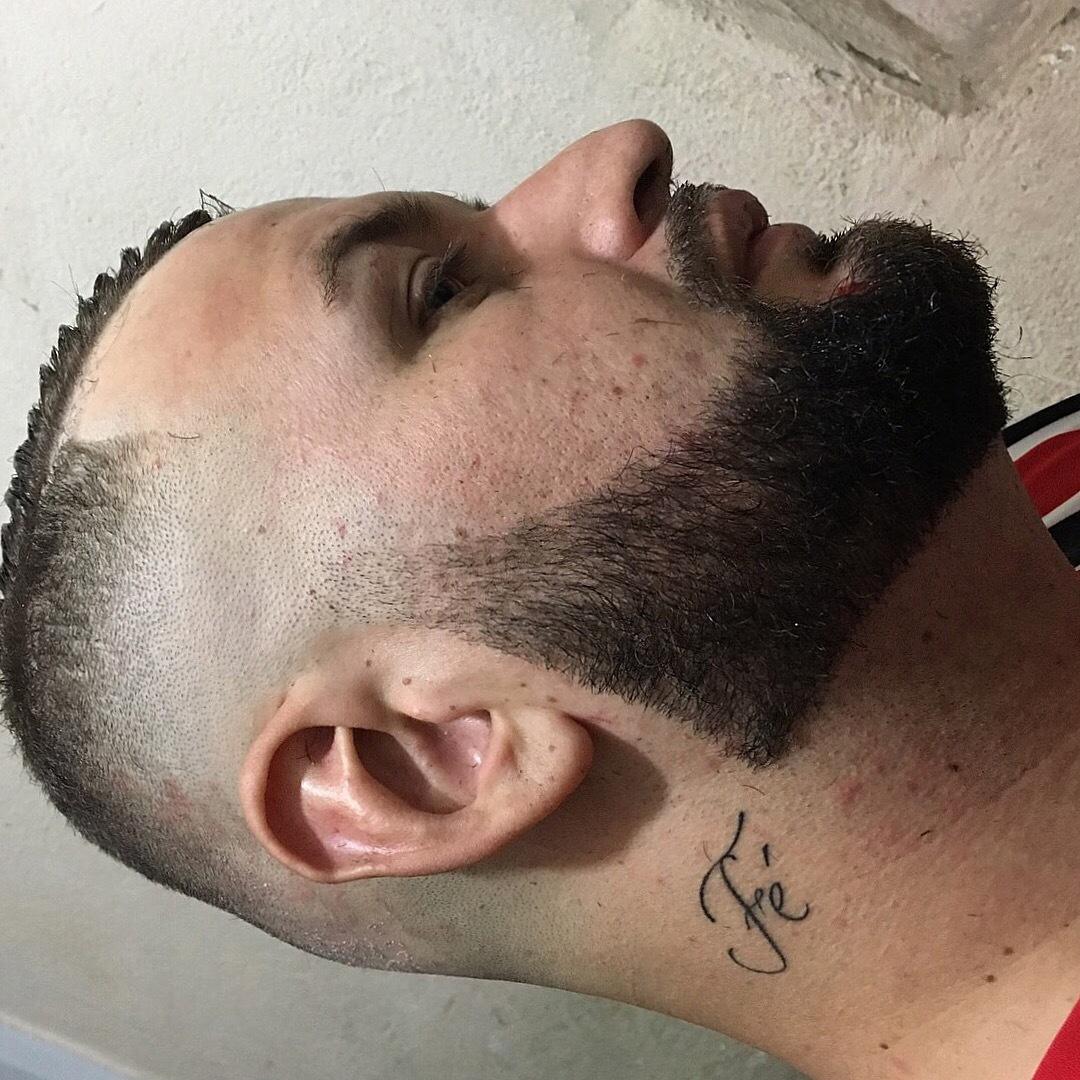 Corte degrade / Barba desenhada. #degrade #navalha cabelo barbeiro(a)