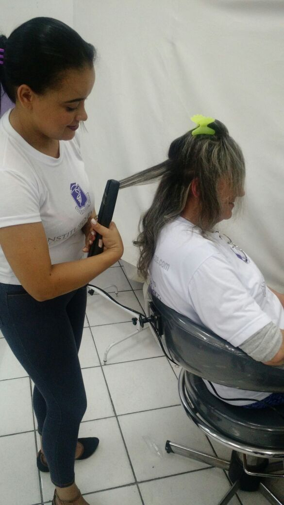 Capinha modelada cabelo auxiliar cabeleireiro(a)