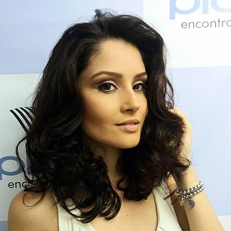 MakeUp Social. maquiagem cabeleireiro(a) maquiador(a) designer de sobrancelhas