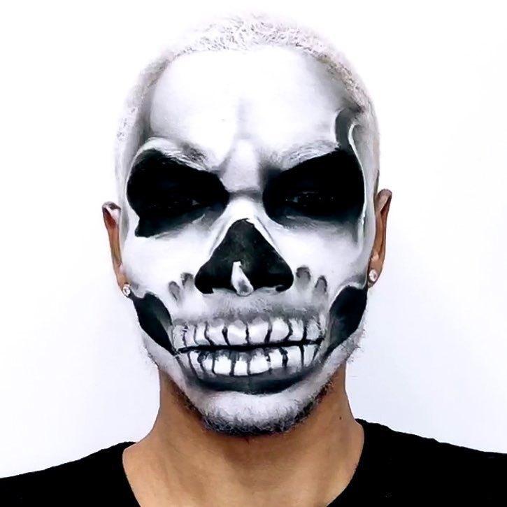 MakeUp Artist Efeito especial (Caveira)  maquiagem cabeleireiro(a) maquiador(a) designer de sobrancelhas