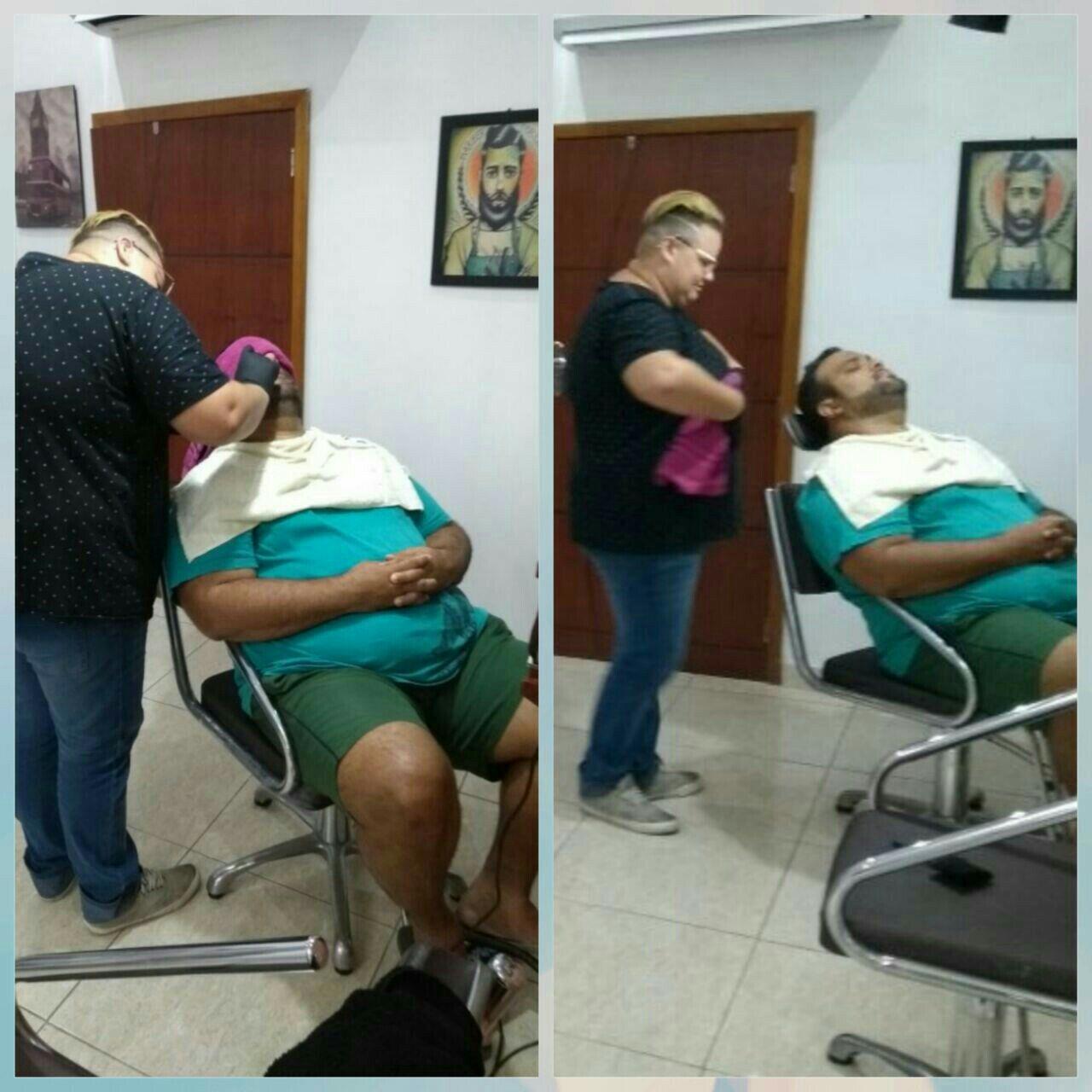 Barboterapia (toalha quente). outros barbeiro(a)