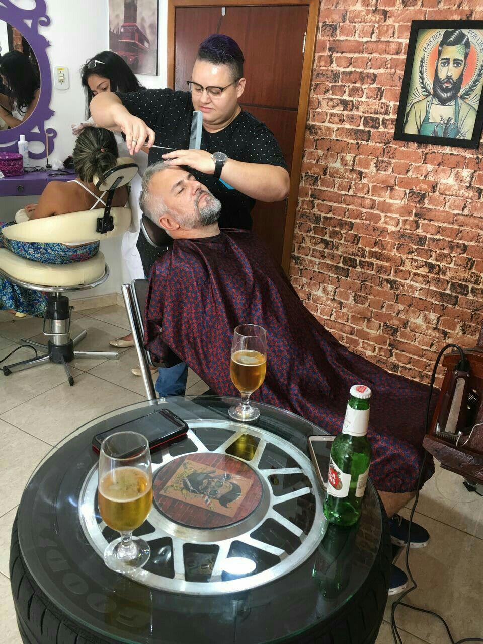 Corte social, deixando o cliente mais confortável o possível. cabelo barbeiro(a)