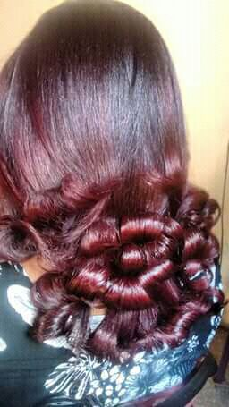 Escova modelada cabelo auxiliar cabeleireiro(a) auxiliar cabeleireiro(a) auxiliar cabeleireiro(a)