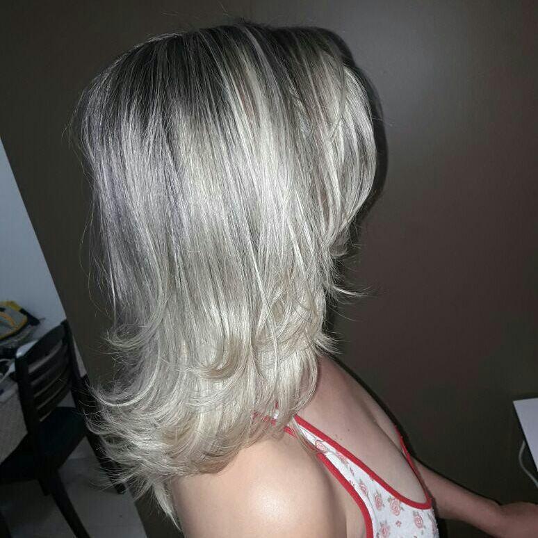 Blond  cabelo cabeleireiro(a) maquiador(a) depilador(a) gerente consultor(a)