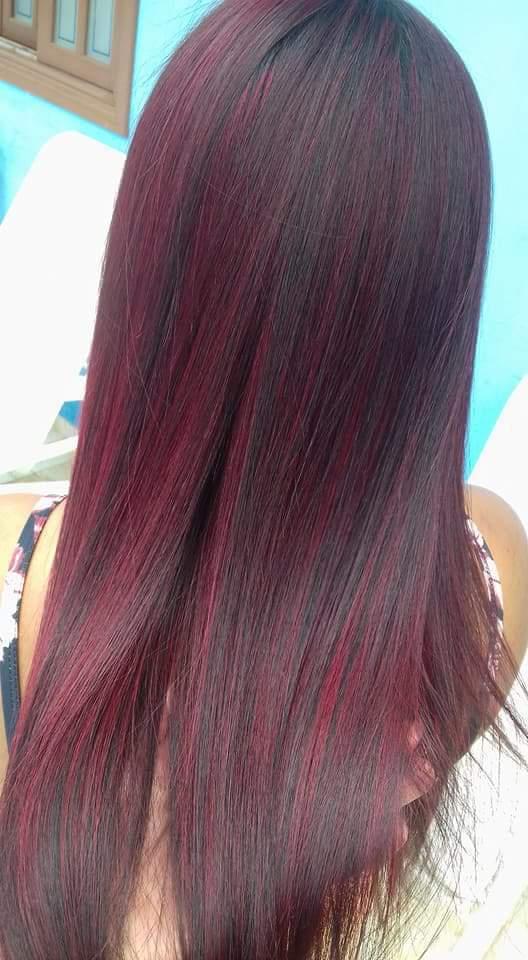 Luzes vermelha mais Selagem cabelo cabeleireiro(a)