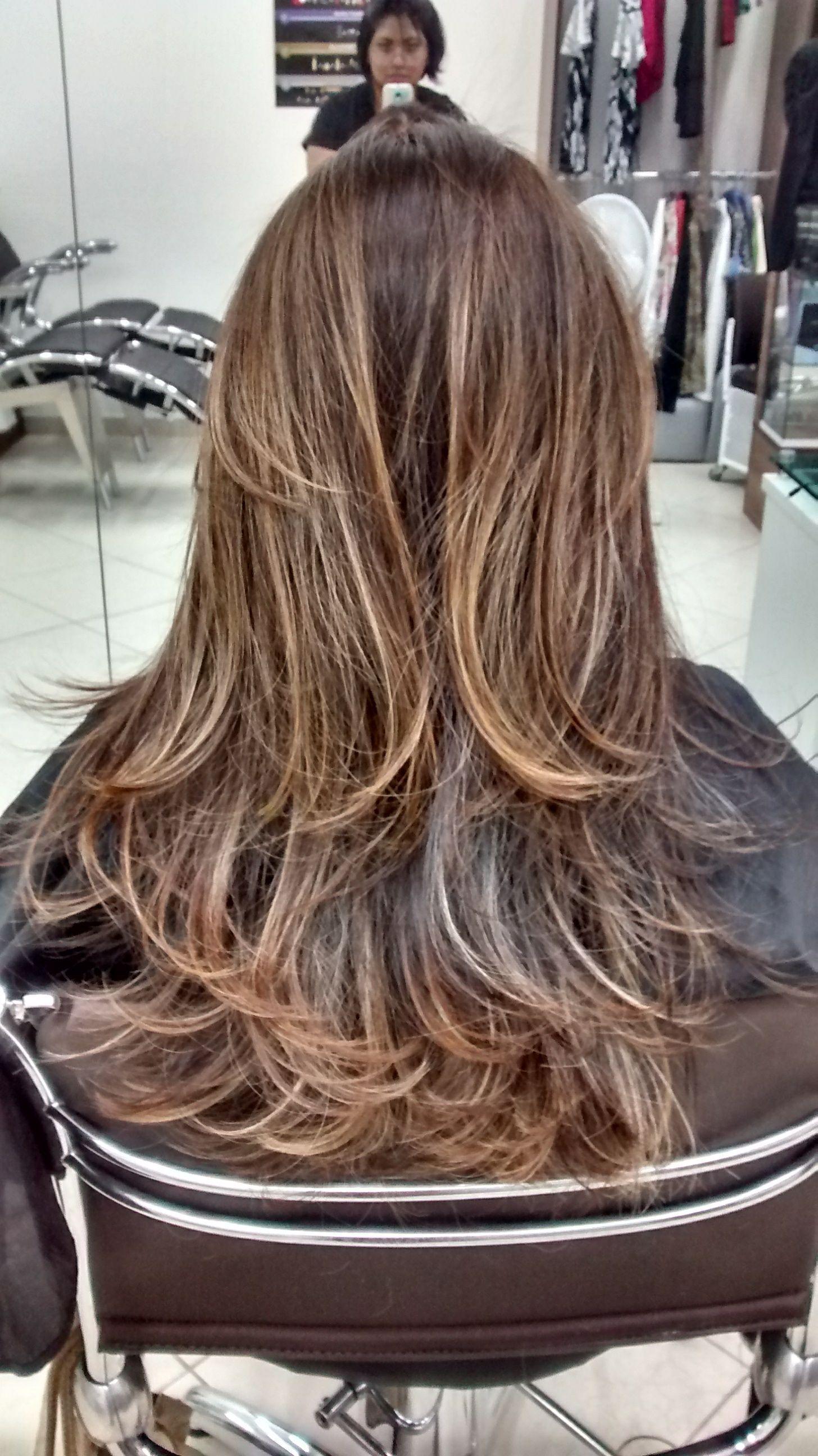 cabeleireiro(a) maquiador(a) auxiliar cabeleireiro(a) recepcionista
