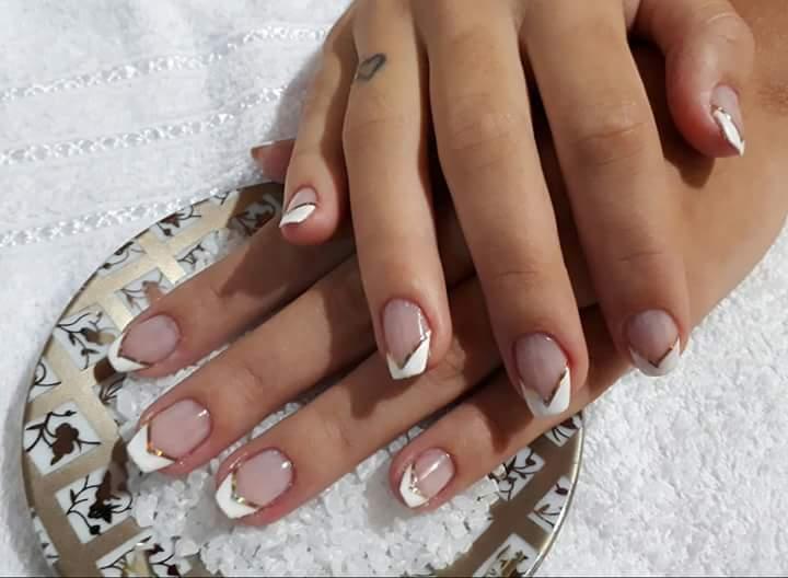 Unha princesinha com fita metalizada  #FitaMetalizada #Top manicure e pedicure