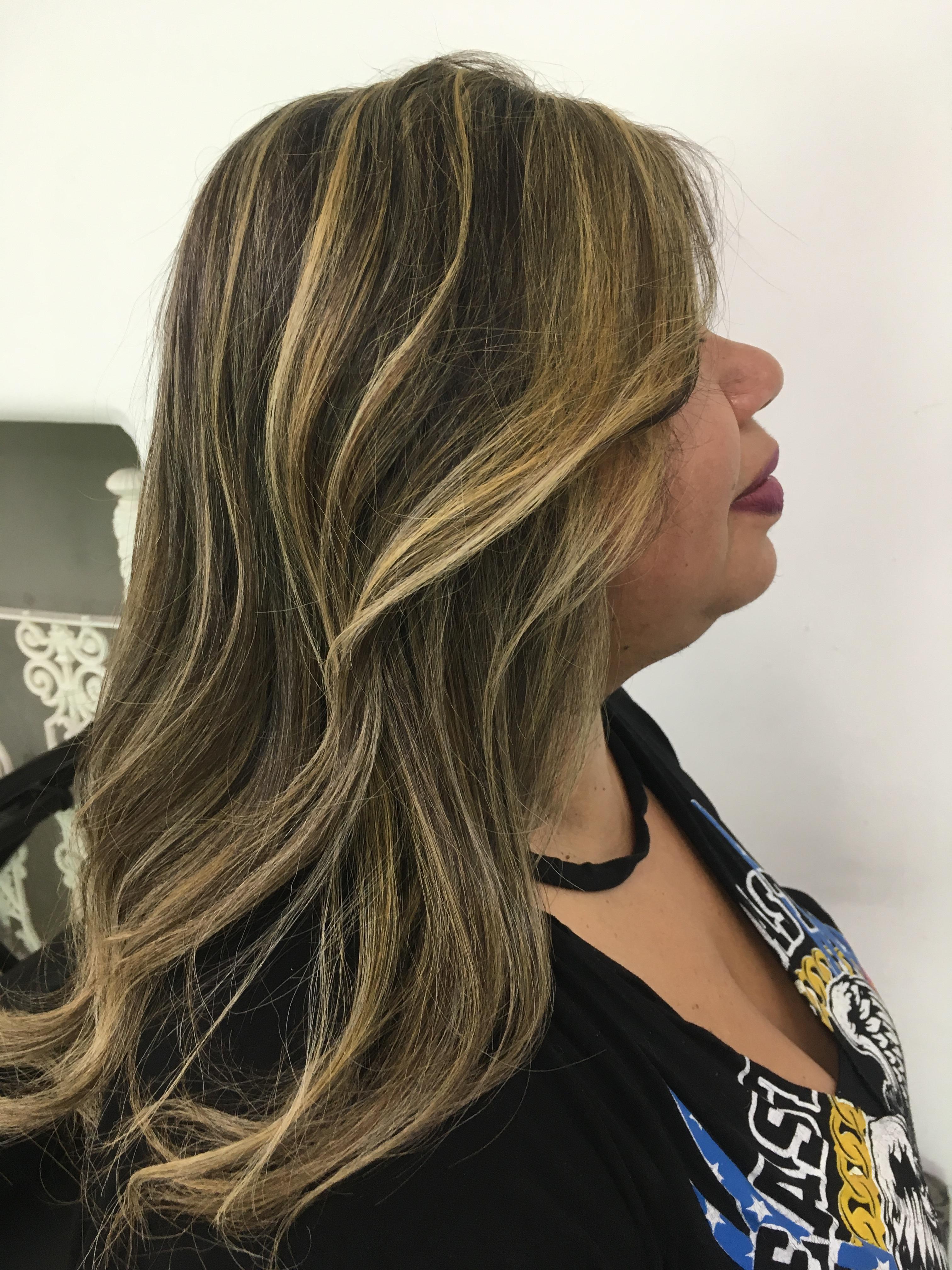 cabeleireiro(a) maquiador(a) stylist / visagista