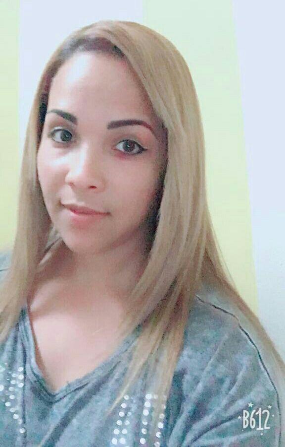 descoloração. Escoba progressiva.corte. tintura cinza loira. Prancha cabelo cabeleireiro(a)