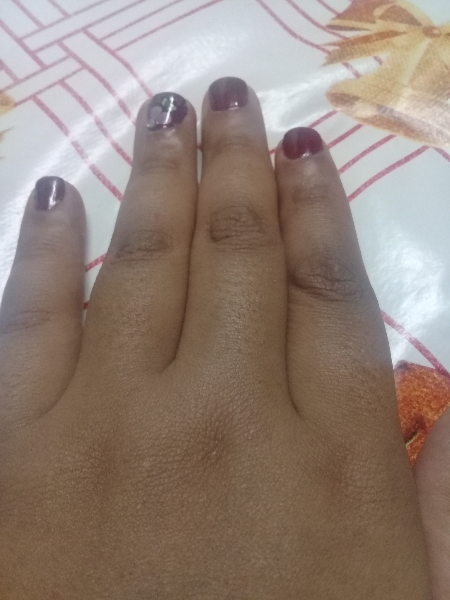 Esperando uma oportunidade de trabalho do meu perfil que e  na área de manicure e pedicure sou muito simpática com os clientes e colegas de trabalho  unha manicure e pedicure