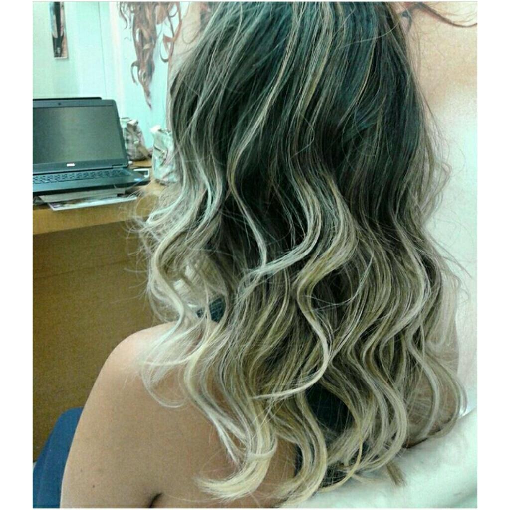 Mais um! #ombre hair #loiro #loirissimo #divasqueamamloiro. cabelo cabeleireiro(a) maquiador(a) designer de sobrancelhas