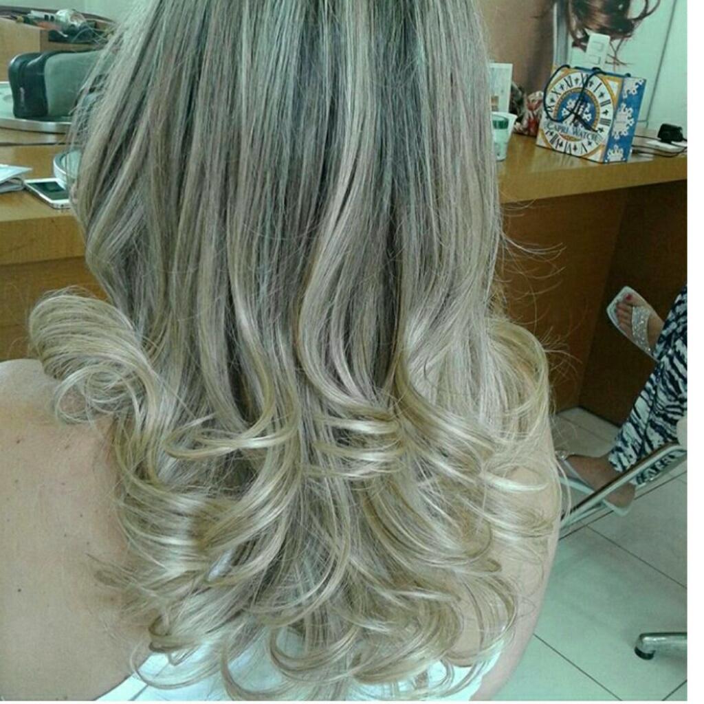 #loiroo #L'Oréal #hidratação #kerastase #matizacao fria, feita com (richese L'oreal). cabelo cabeleireiro(a) maquiador(a) designer de sobrancelhas