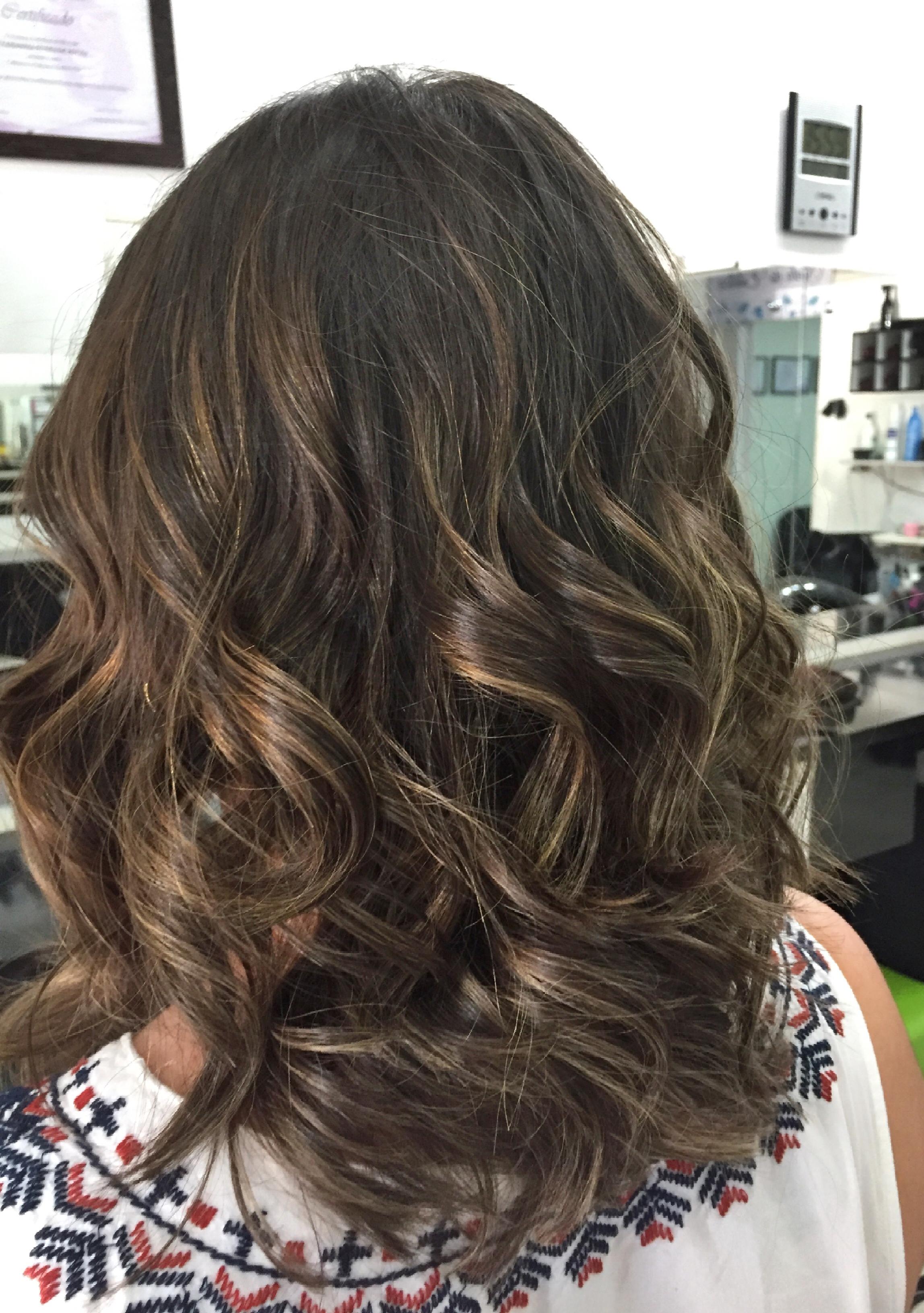 Morena iluminada🍂 #morenailuminada #freehand #contour  cabelo cabeleireiro(a)