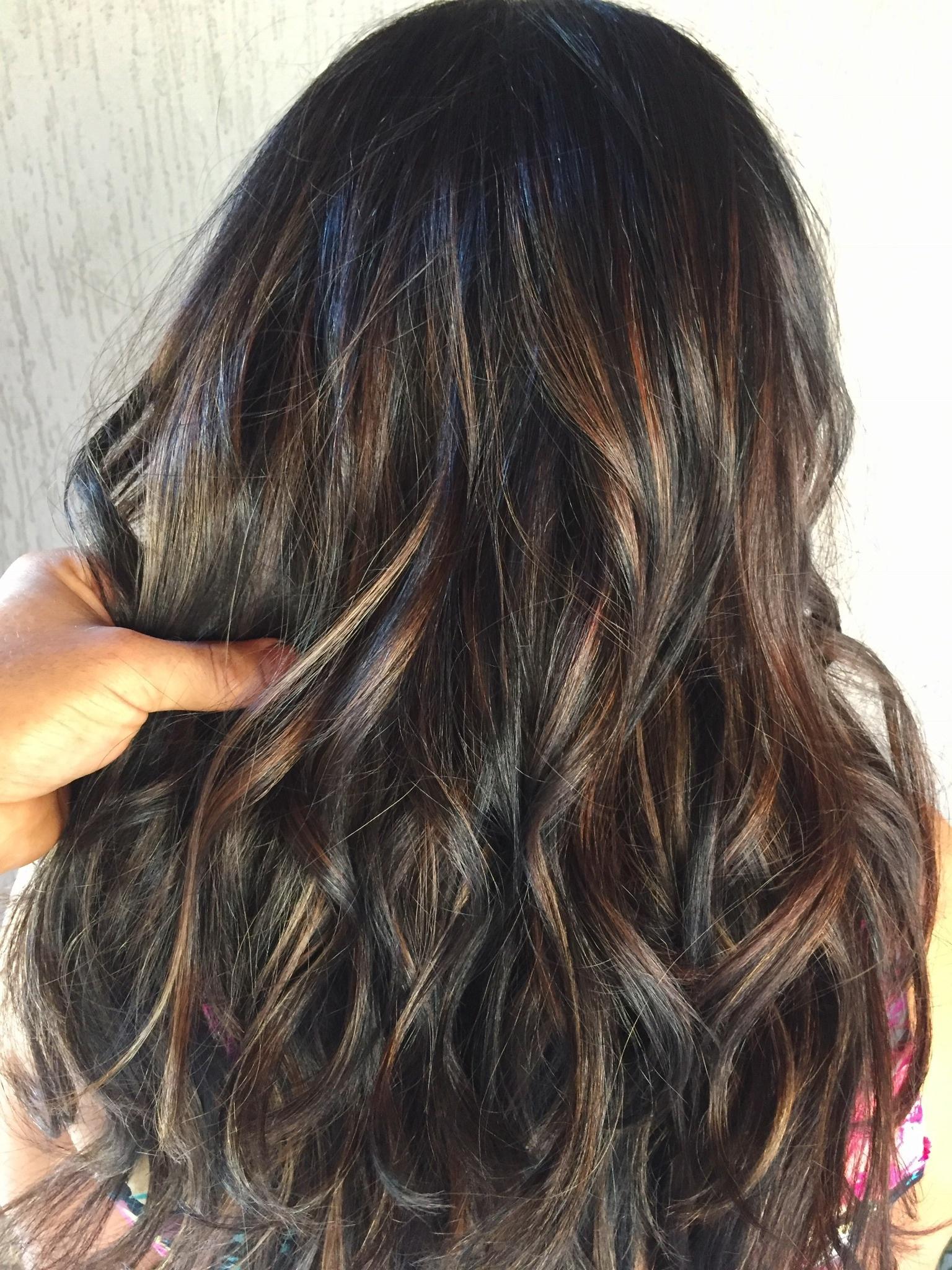 Morena iluminada. #hair #contour #mechas #ombrehair #waves #morenailuminada cabelo cabeleireiro(a)
