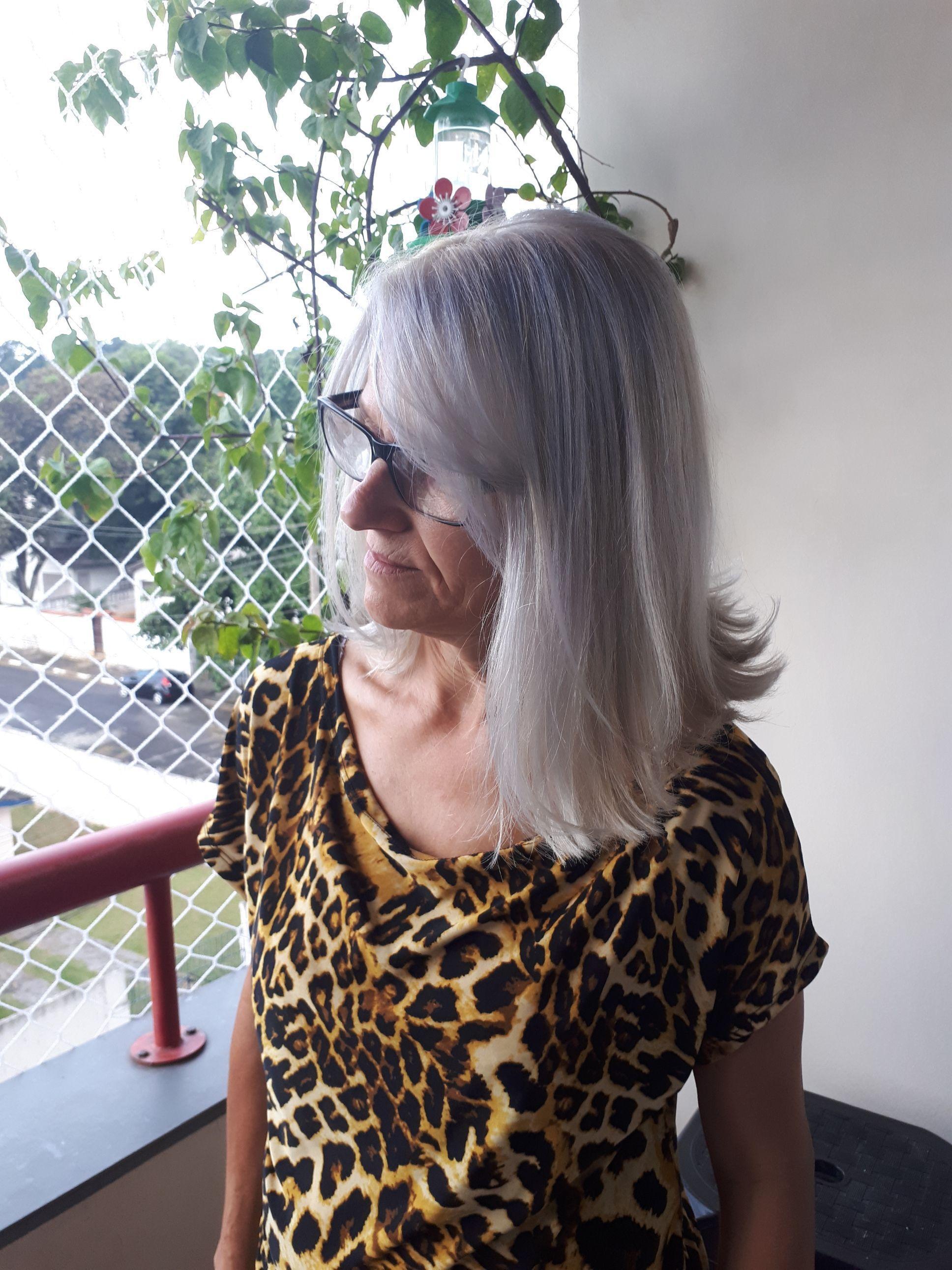 Luzes e corte. cabelo cabeleireiro(a)