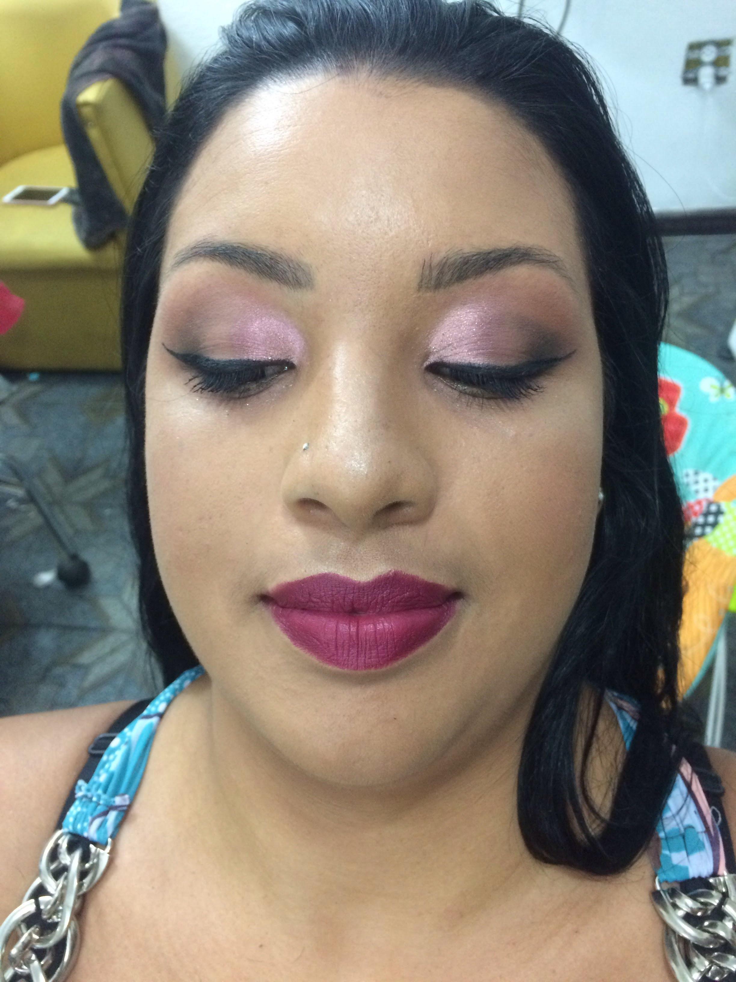 Malé madrinha #make #madrinha #makeup maquiagem manicure e pedicure maquiador(a) stylist / visagista cabeleireiro(a) docente / professor(a)