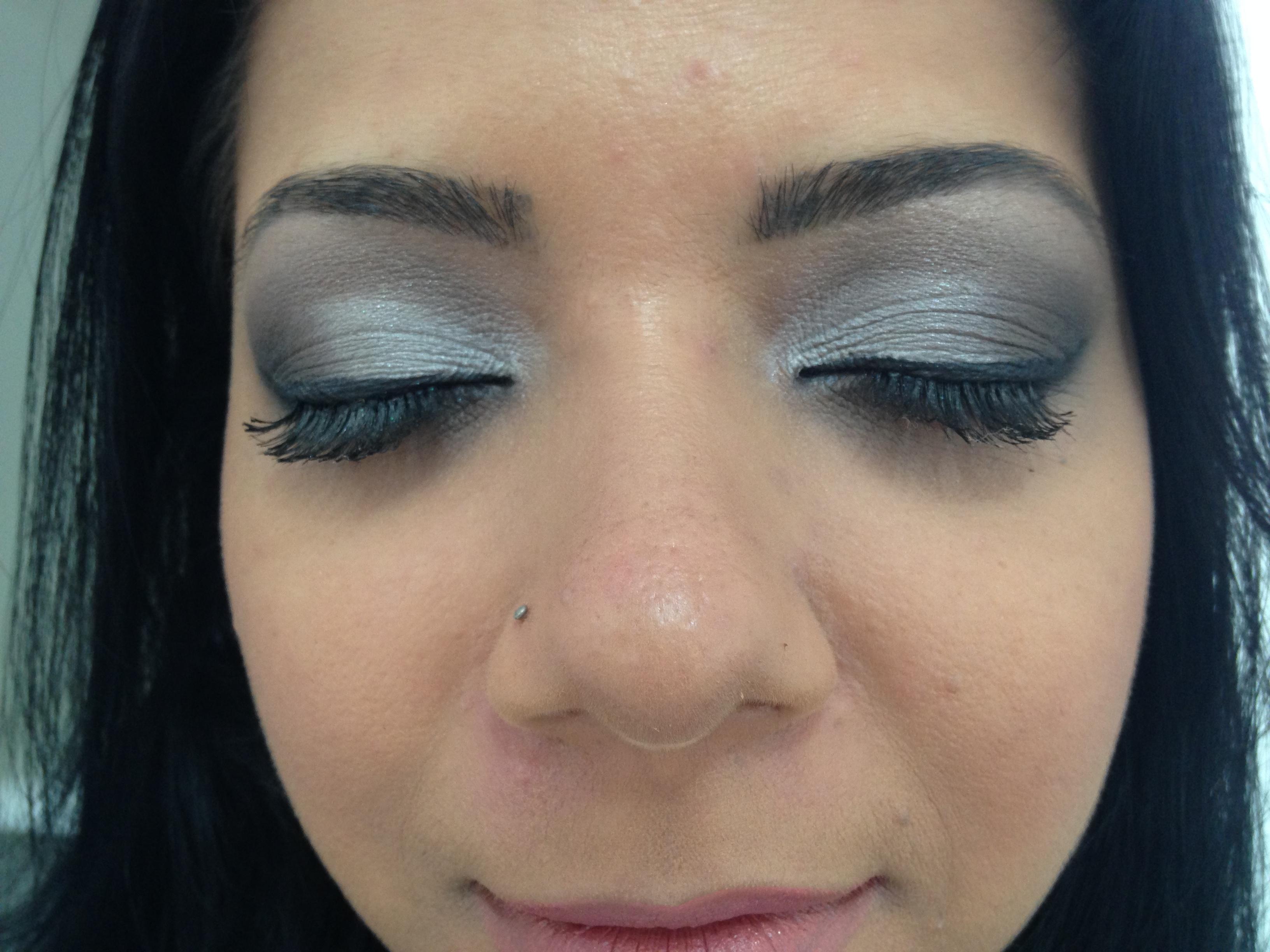 Maquiagem social #prata #preto #maquiagem #lovemakeup  maquiagem maquiador(a) esteticista