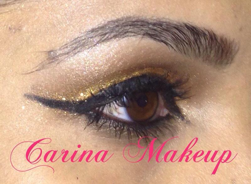 Make dourada com delineado caprichado. #nocapricho #dourado #maquiagem #lovemakeup maquiagem maquiador(a) esteticista