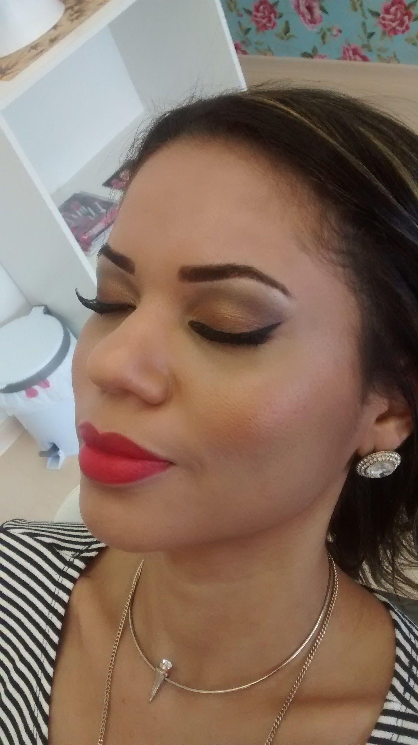 maquiagem esteticista maquiador(a) designer de sobrancelhas micropigmentador(a)