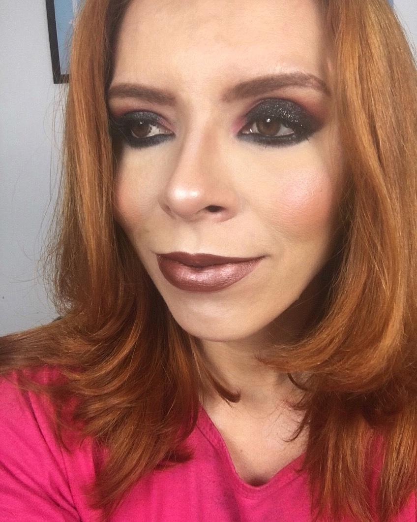 Olho preto esfumado#maquiagemprofissionalsjc#maquiadoraprofissional maquiagem maquiador(a)
