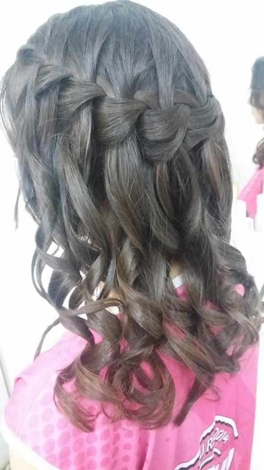 cabelo auxiliar cabeleireiro(a) recepcionista designer de sobrancelhas