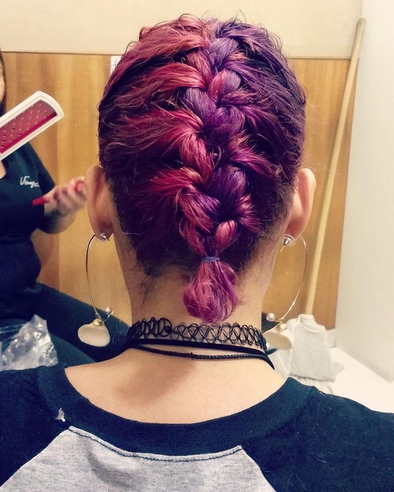 Coloração  cabelo auxiliar cabeleireiro(a) maquiador(a) cabeleireiro(a)