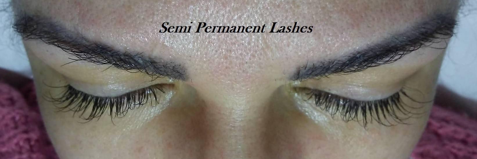 Alongamento Classico de cílios  estética designer de sobrancelhas