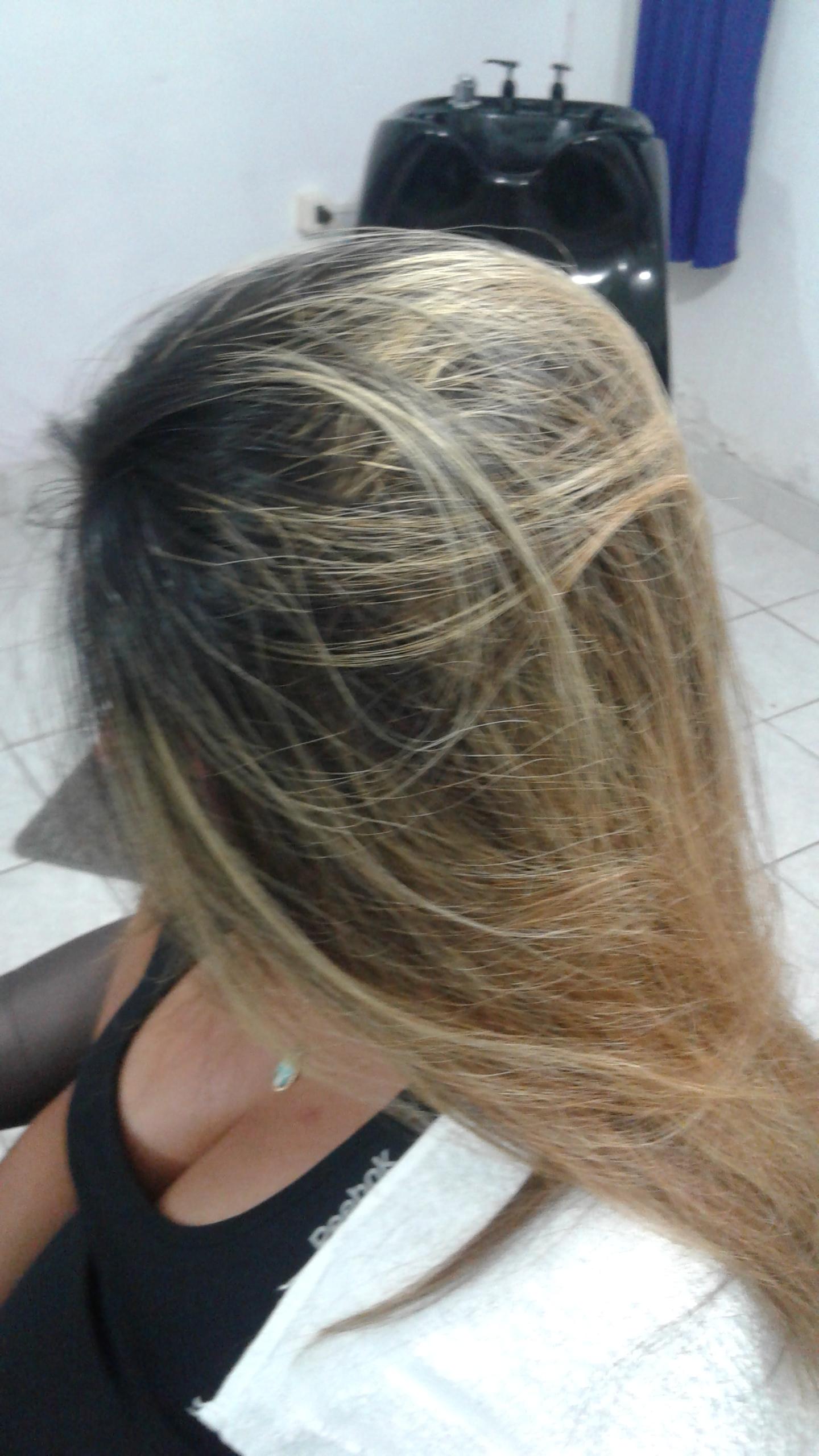 escova realizada cabelo auxiliar cabeleireiro(a)