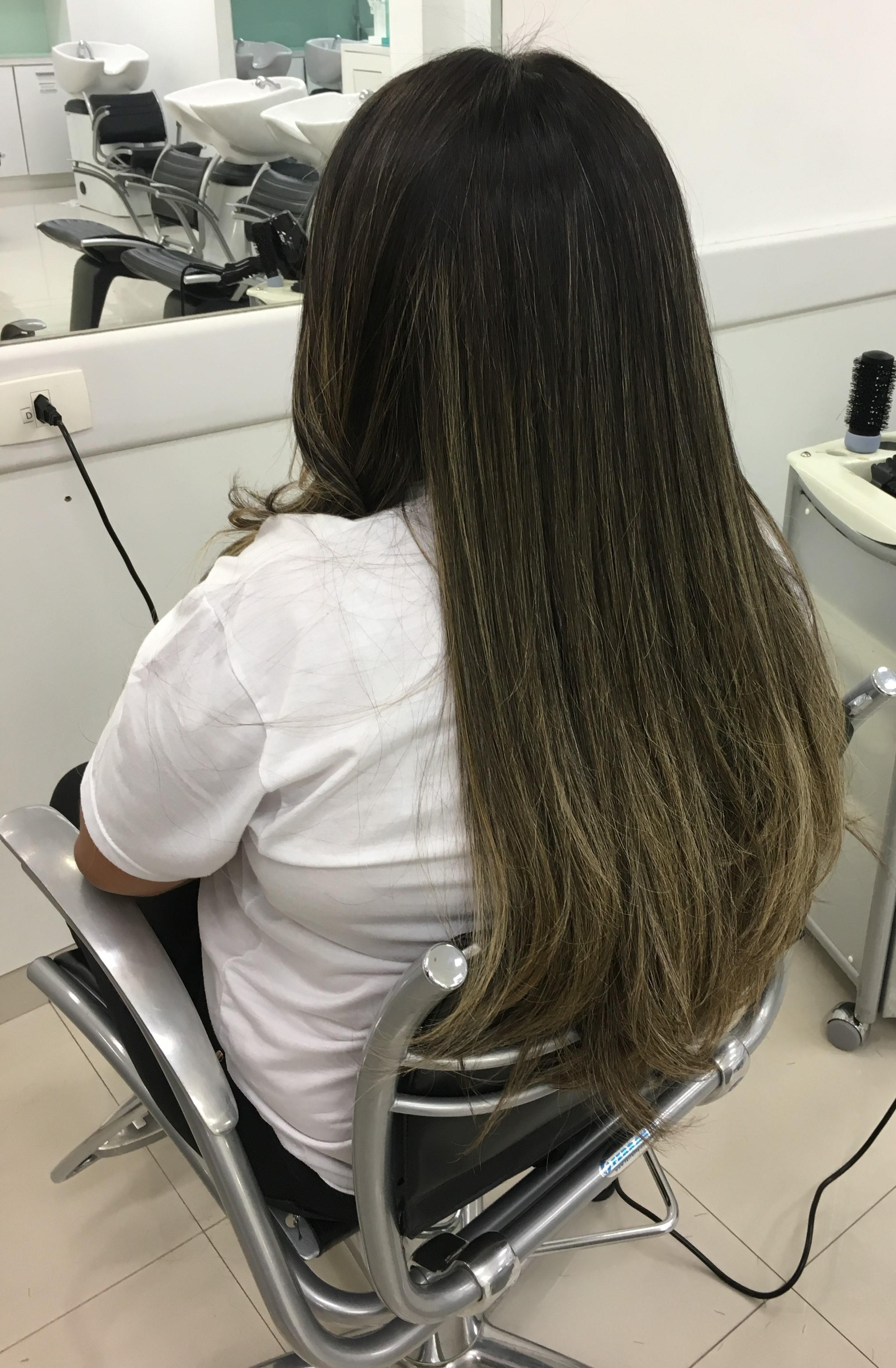 Escova lisa Pós Nutrição com pouco volume e pontas levemente modeladas ! cabelo auxiliar cabeleireiro(a)