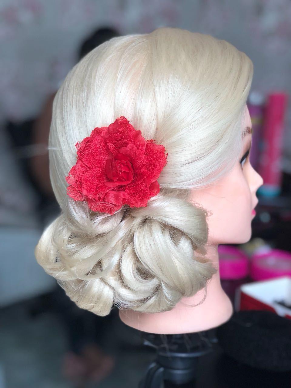 Coque de lado. #madrinhas cabelo cabeleireiro(a) maquiador(a)