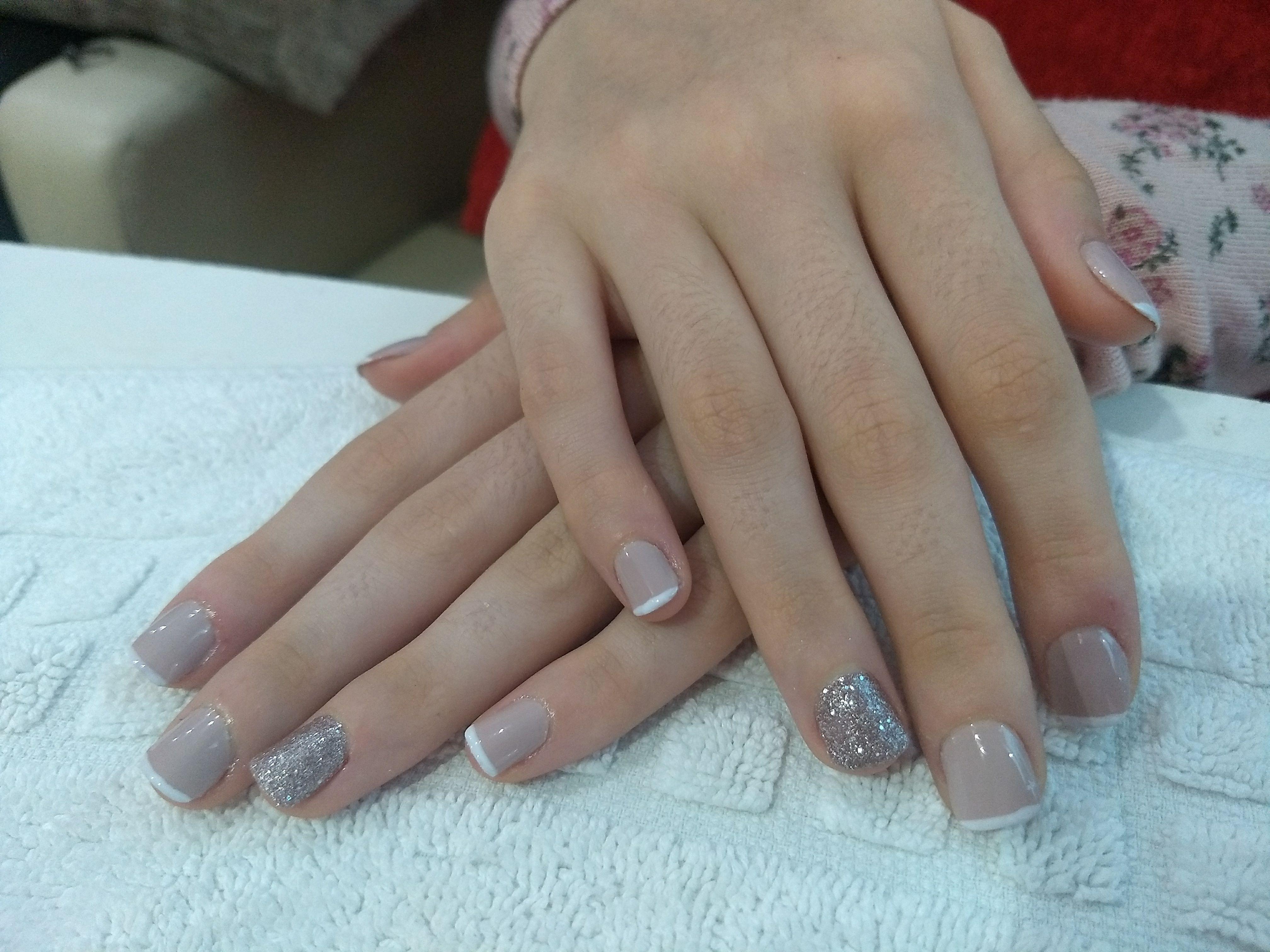 unha manicure e pedicure cabeleireiro(a) cabeleireiro(a) cabeleireiro(a)