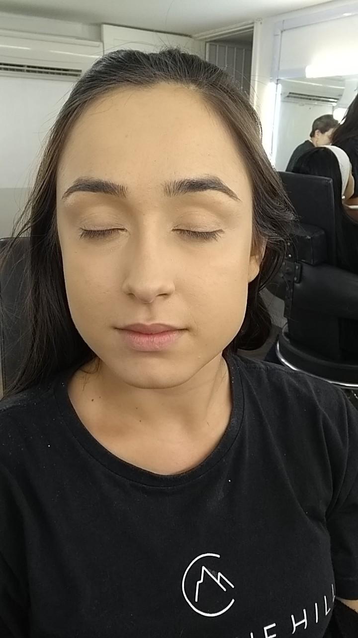 maquiagem maquiador(a) auxiliar cabeleireiro(a) cabeleireiro(a)