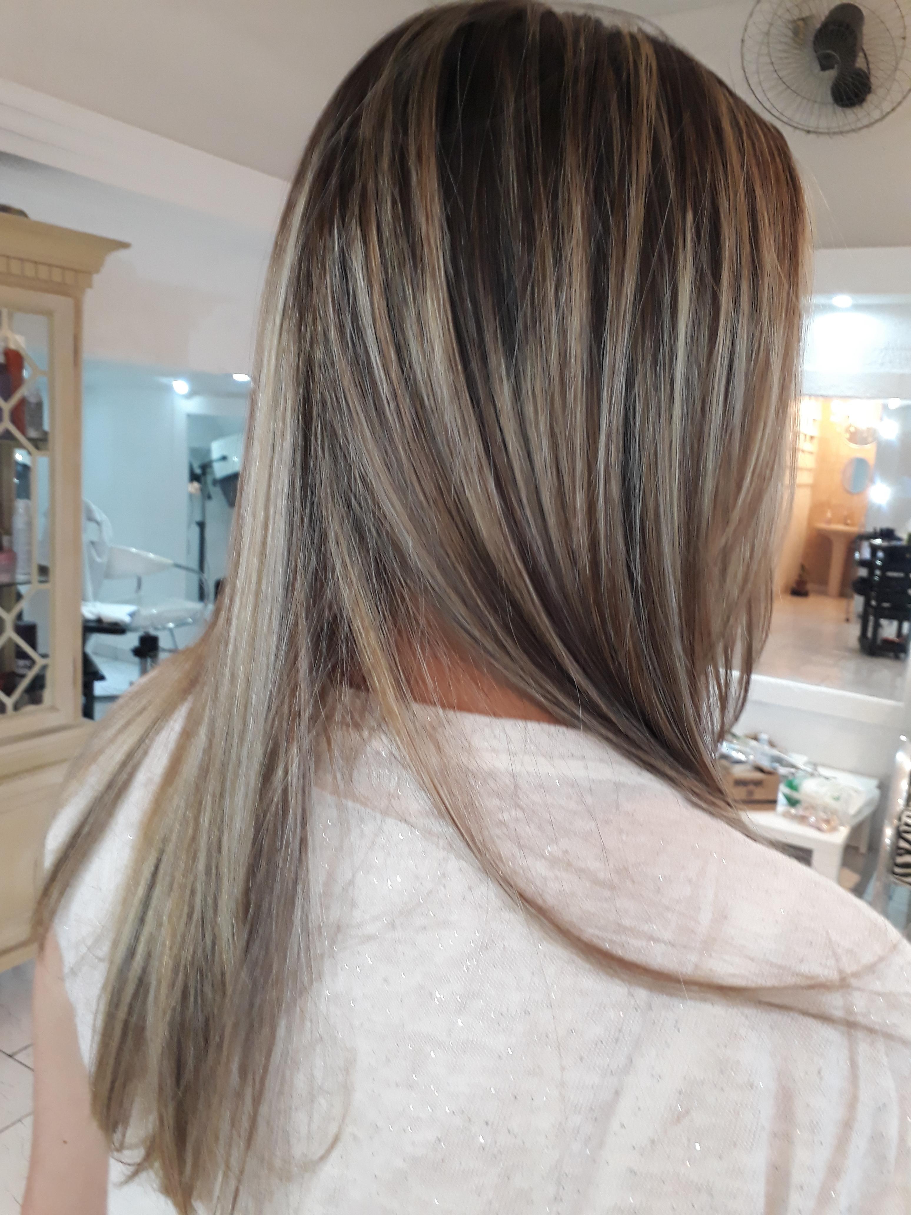 luzes no papel cabelo cabeleireiro(a) designer de sobrancelhas
