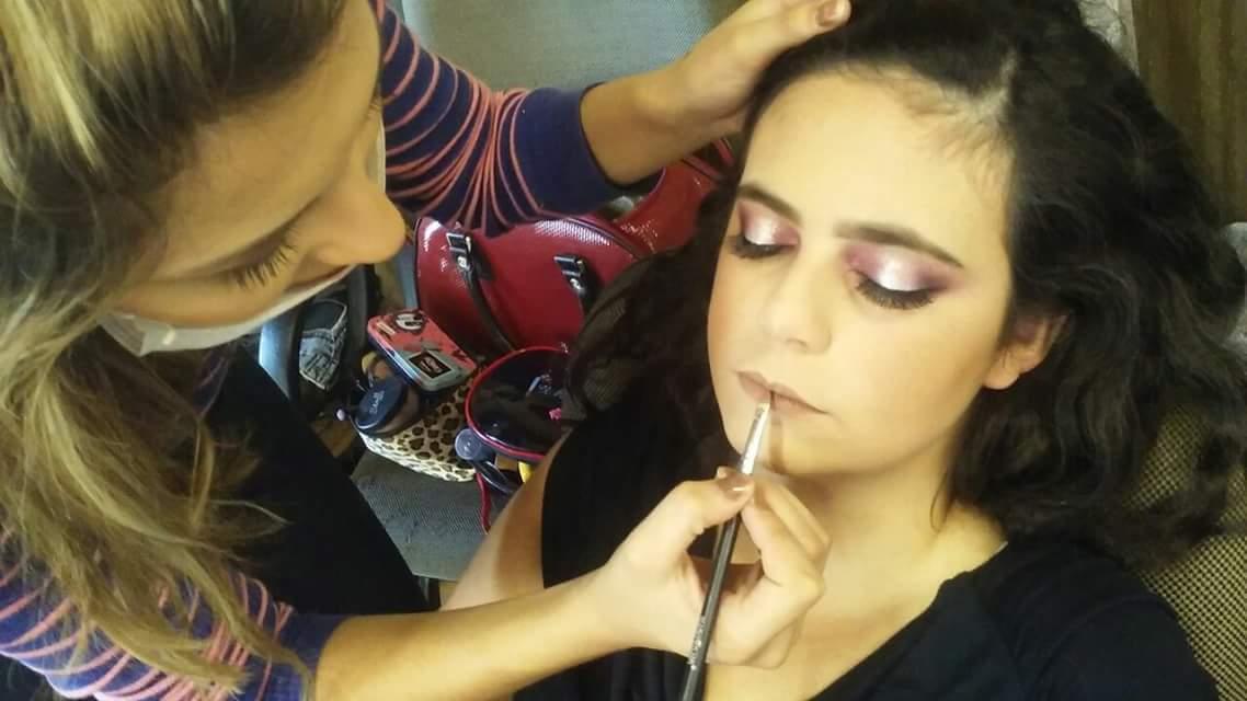 Maquiagem para Debutantes. maquiagem maquiador(a)