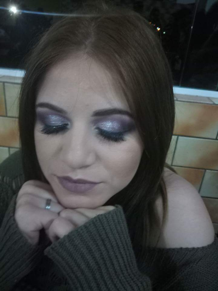 Semi Cut. maquiagem maquiador(a)