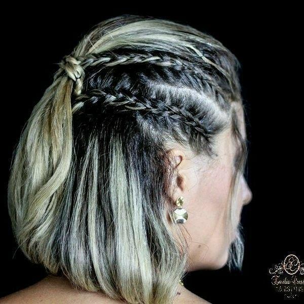 Penteado despojado com trança cabelo cabeleireiro(a) stylist / visagista
