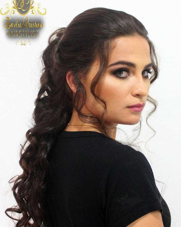 Penteados semi preso#penteados despojados#semi preso#penteadoscomcachos  cabelo cabeleireiro(a) stylist / visagista