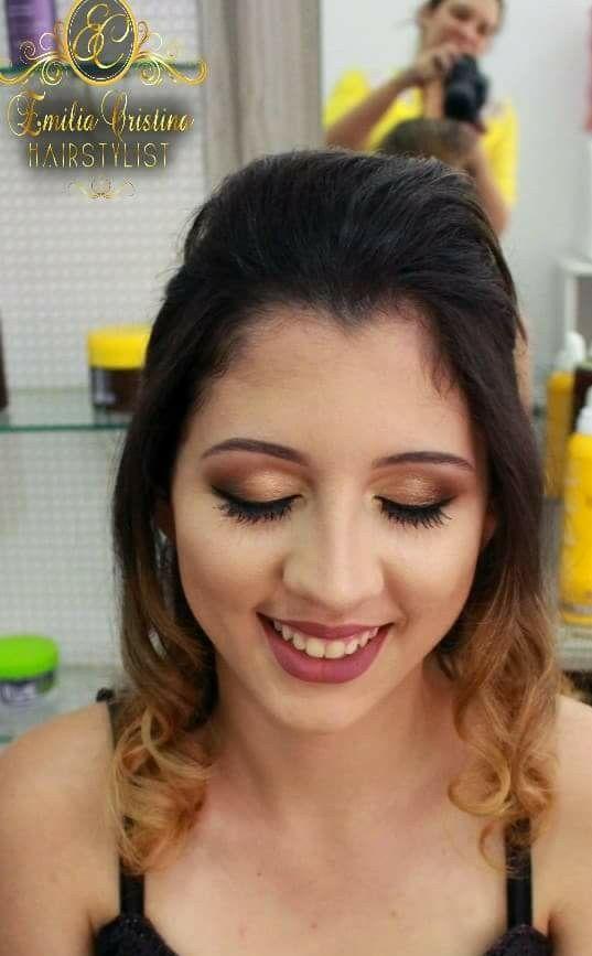 Penteado despojado cabelo cabeleireiro(a) stylist / visagista