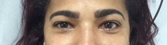 Aplicação de pigmento  estética designer de sobrancelhas