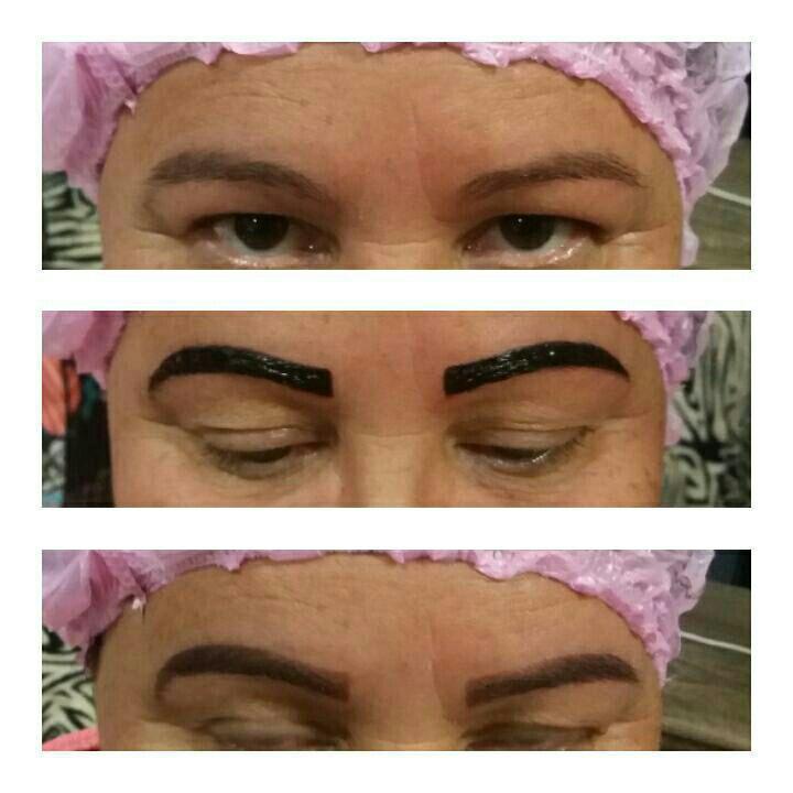 estudante (cabeleireiro) designer de sobrancelhas