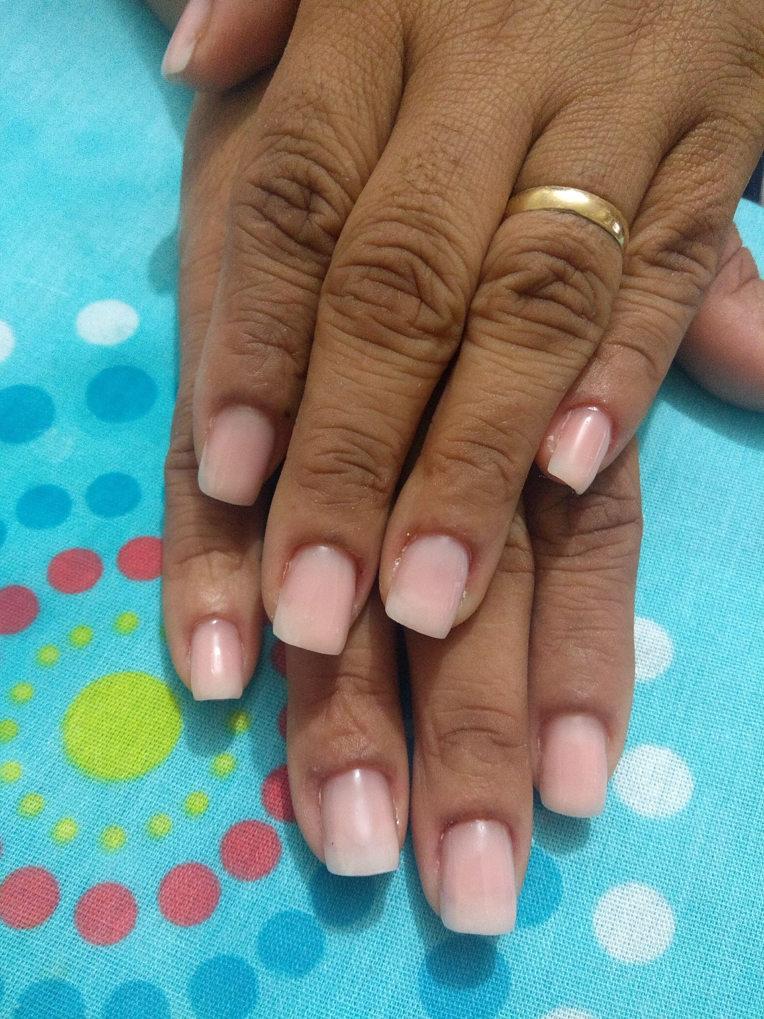 Alongamento em gel. unha manicure e pedicure