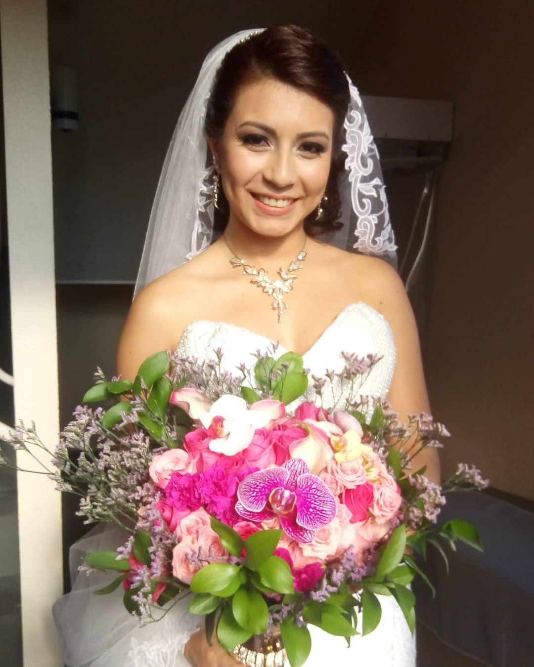 Noiva / Março - 2018 #noiva #wedding #cwb #makeupartist #casamento #beauty #bride #love #curitiba maquiagem maquiador(a)
