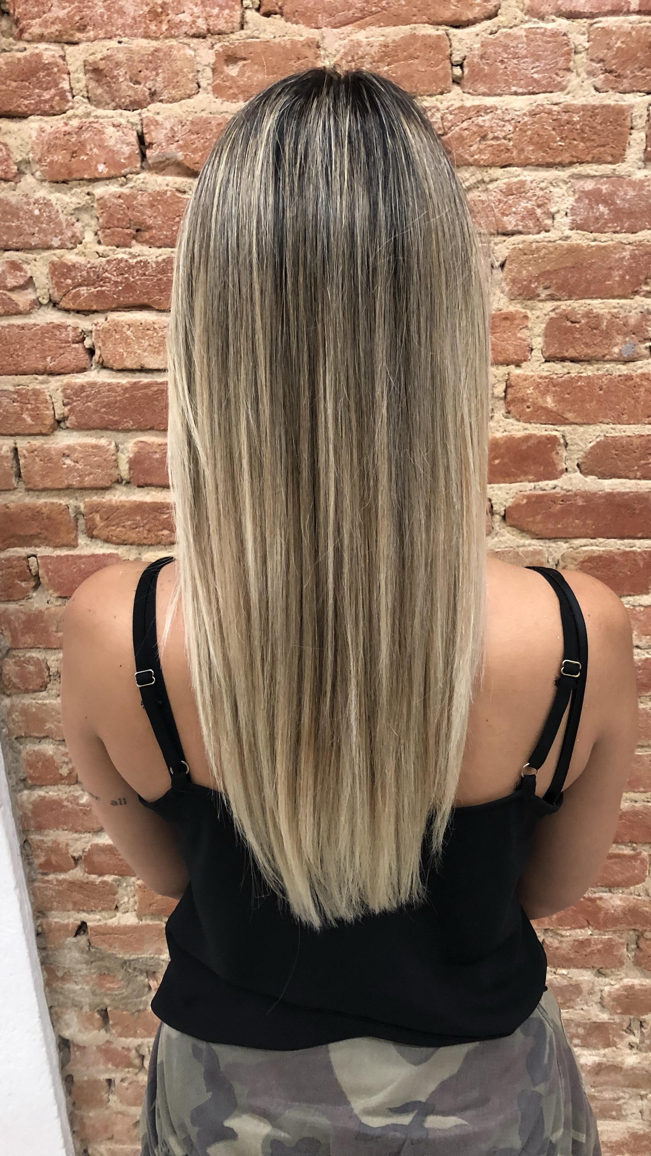Loiro lindo  cabelo cabeleireiro(a) maquiador(a)