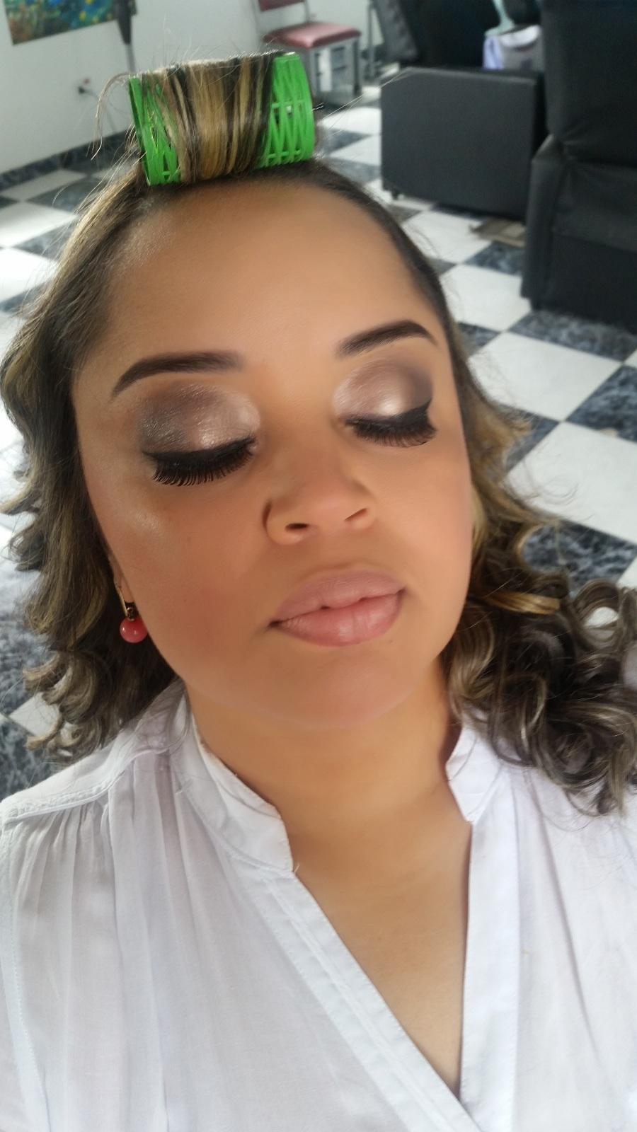 Maquiagem para festa.  Veja mais no meu Blog Vaidosas de Batom:  www.vaidosasdebatom.com maquiagem maquiador(a) docente / professor(a)