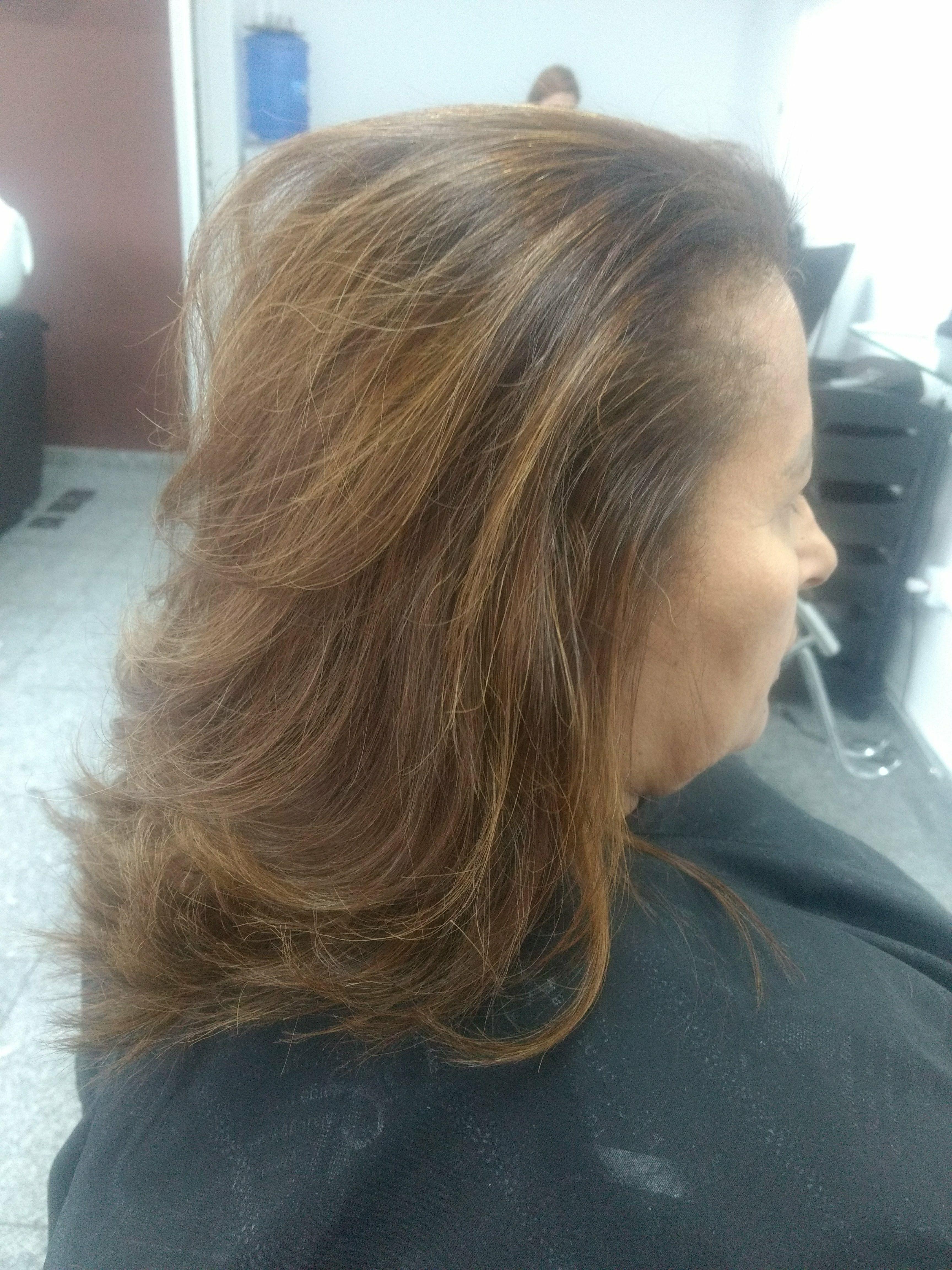 Morena ilimitada a nova sensação para quem quer dá uma iluminada sem agredir muito os fios, chique e armonico. cabeleireiro(a)