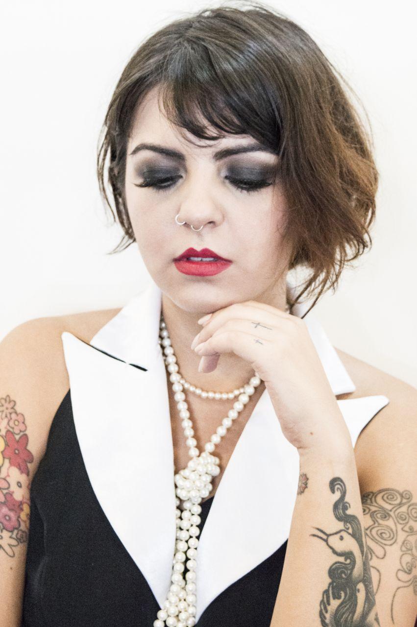 Maquiagem para ensaio com o tema anos 20 maquiagem maquiador(a)